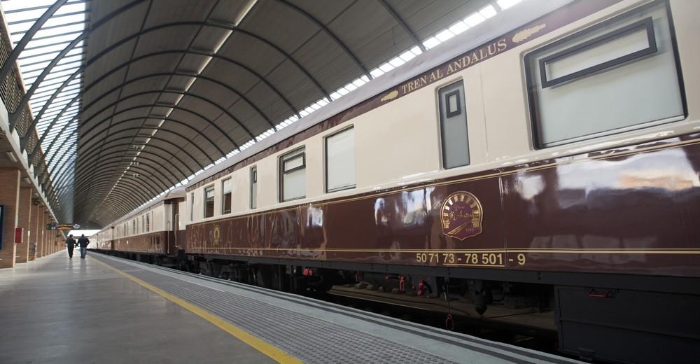 Train Al Andalus à quai